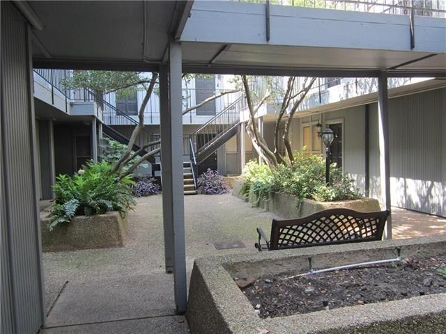 1 Bedroom, North Oaklawn Rental in Dallas for $1,025 - Photo 2