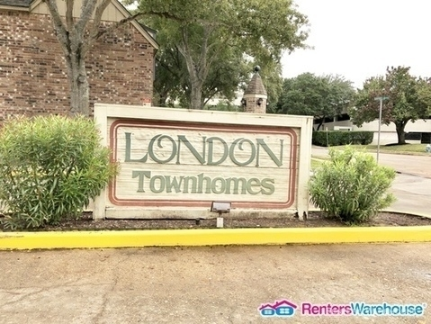 4 Bedrooms, London Townhome Rental in Houston for $1,895 - Photo 2