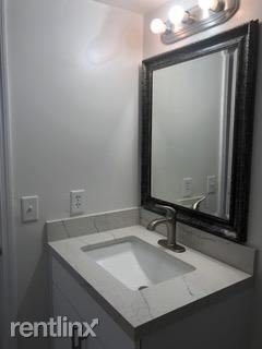 2 Bedrooms, Lago Grande Rental in Miami, FL for $1,475 - Photo 2