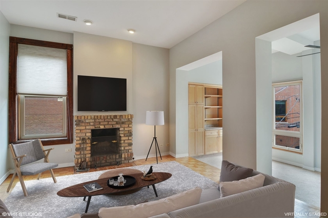 2 Bedrooms, Lincoln Park Rental in Chicago, IL for $2,500 - Photo 2