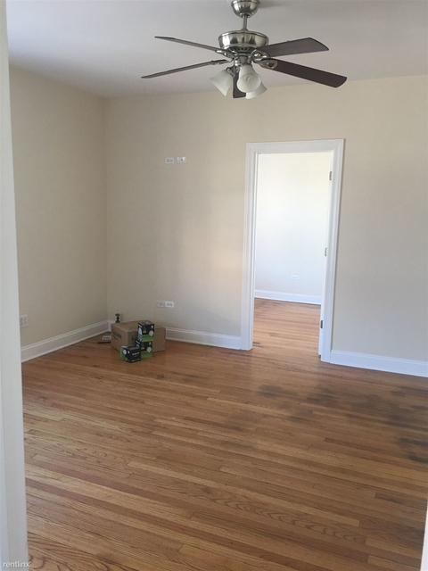 2 Bedrooms, Uptown Rental in Chicago, IL for $1,400 - Photo 2