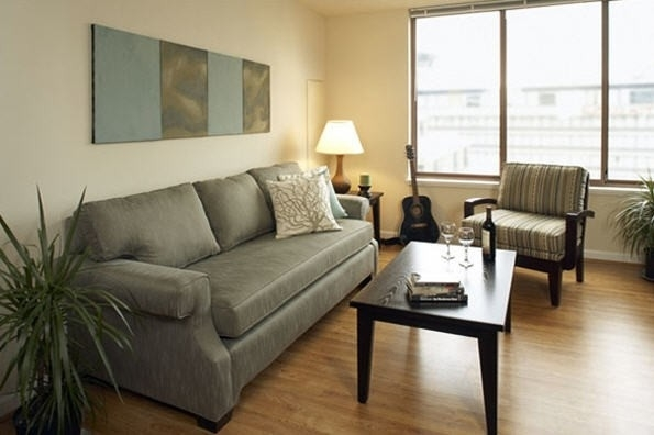 2 Bedrooms, Crystal City Shops Rental in Washington, DC for $2,454 - Photo 2