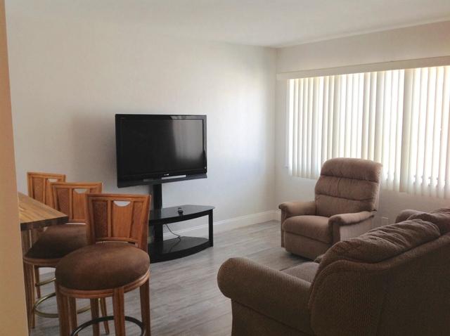1 Bedroom, Murry Hills Condominiums Rental in Miami, FL for $850 - Photo 2