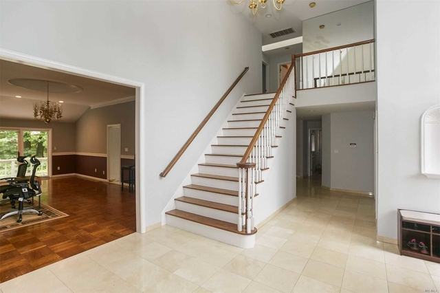 5 Bedrooms, North Hills Rental in Long Island, NY for $8,500 - Photo 2