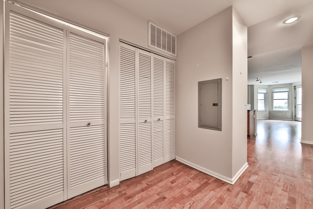 2 Bedrooms, Fulton River District Rental in Chicago, IL for $2,400 - Photo 2