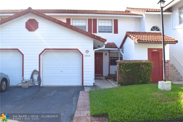 3 Bedrooms, Forest Hills Rental in Miami, FL for $1,900 - Photo 2