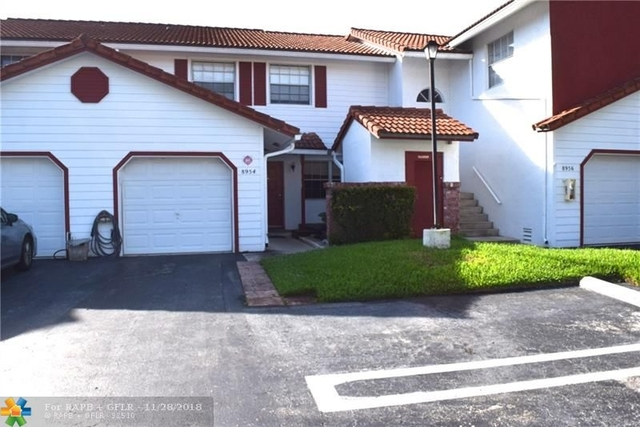 3 Bedrooms, Forest Hills Rental in Miami, FL for $1,900 - Photo 1