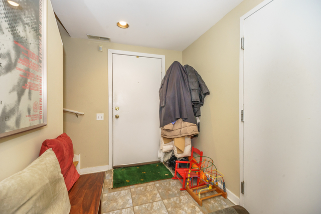1 Bedroom, Dearborn Park Rental in Chicago, IL for $2,150 - Photo 2