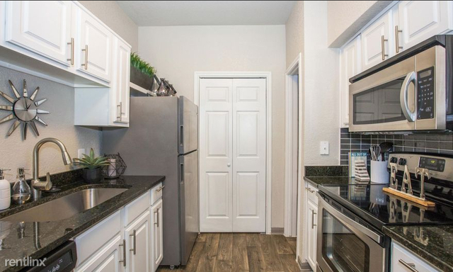 1 Bedroom, City View Rental in Dallas for $1,070 - Photo 2