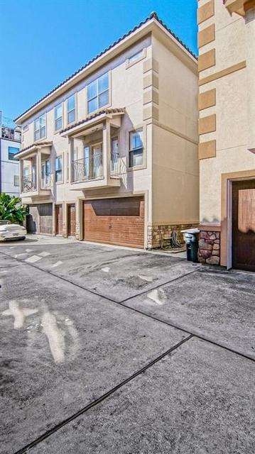 3 Bedrooms, Riverside Terrace North Rental in Houston for $2,400 - Photo 2