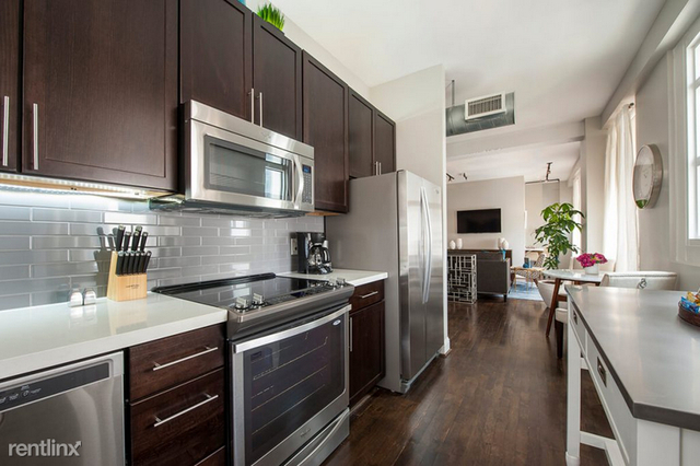 2 Bedrooms, Downtown Houston Rental in Houston for $2,380 - Photo 2