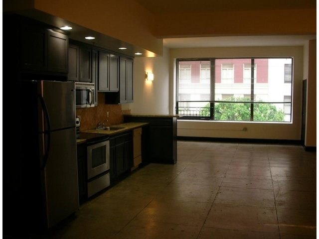 3 Bedrooms, Gallery Row Rental in Los Angeles, CA for $3,800 - Photo 2