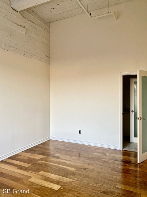 3 Bedrooms, Jewelry District Rental in Los Angeles, CA for $4,100 - Photo 1