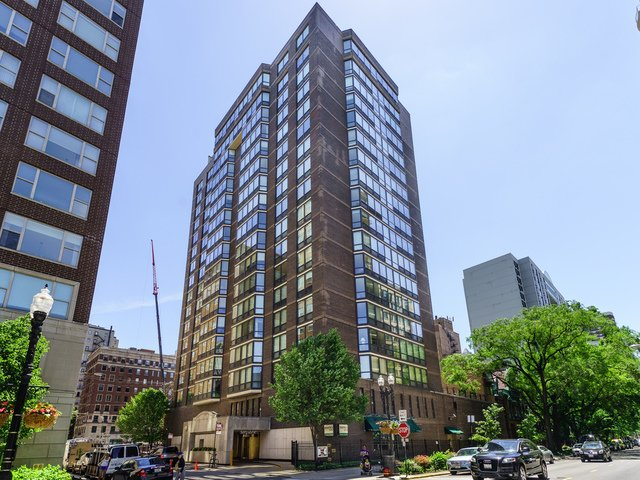 3 Bedrooms, Gold Coast Rental in Chicago, IL for $3,800 - Photo 1