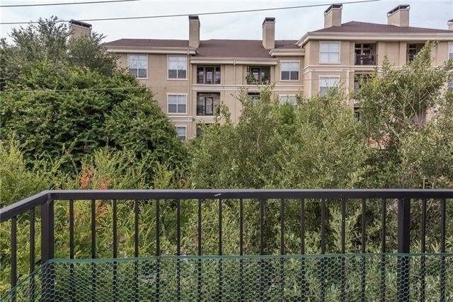 2 Bedrooms, Upper West Side Rental in Dallas for $1,875 - Photo 2