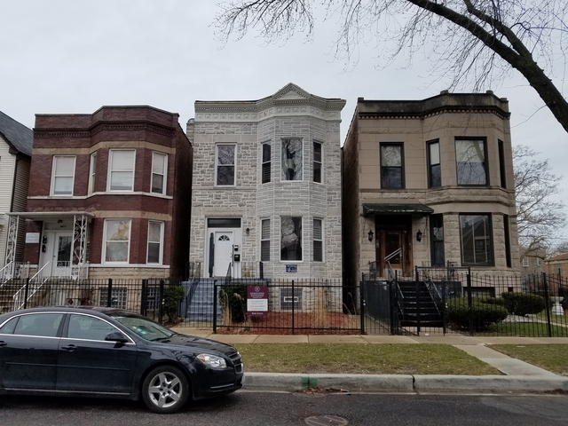2 Bedrooms, Park Manor Rental in Chicago, IL for $1,000 - Photo 1