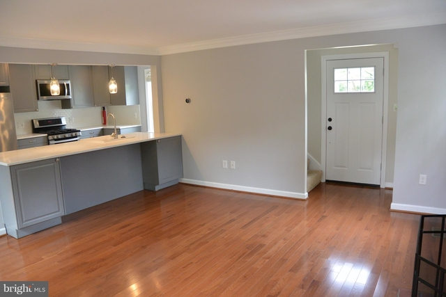 3 Bedrooms, Claremond Rental in Washington, DC for $3,000 - Photo 2