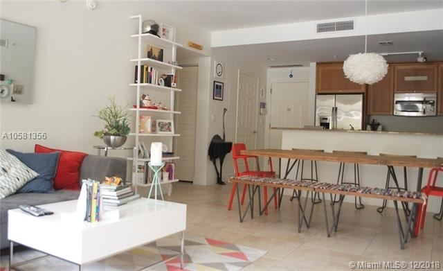 2 Bedrooms, Coral Gables Section Rental in Miami, FL for $3,100 - Photo 1