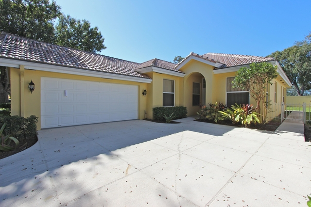3 Bedrooms, Hamptons at Maplewood Rental in Miami, FL for $2,500 - Photo 2