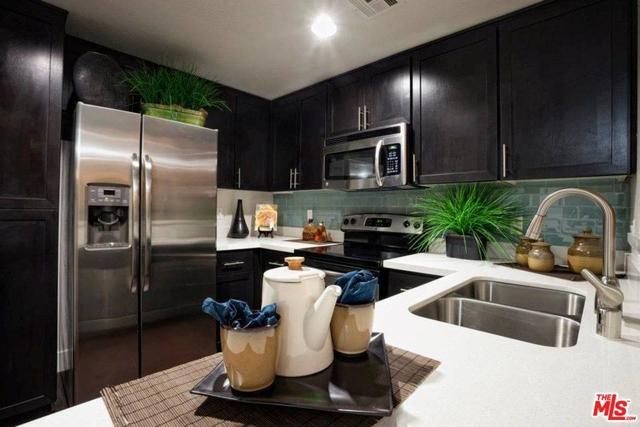 2 Bedrooms, Westwood Rental in Los Angeles, CA for $4,426 - Photo 2