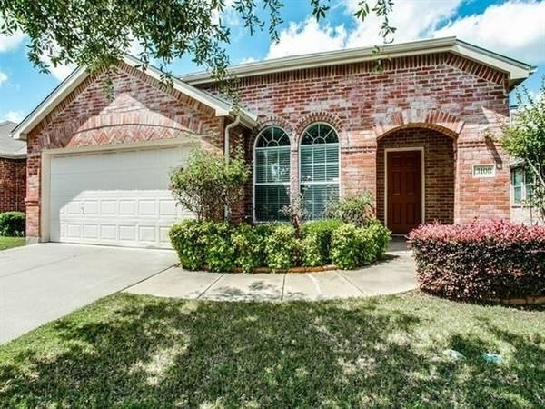 3 Bedrooms, Wyndfield Rental in Dallas for $1,695 - Photo 1
