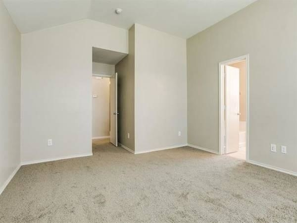3 Bedrooms, Wyndfield Rental in Dallas for $1,695 - Photo 2