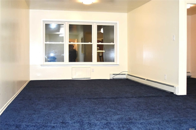 3 Bedrooms, Bayside Rental in Long Island, NY for $2,350 - Photo 1