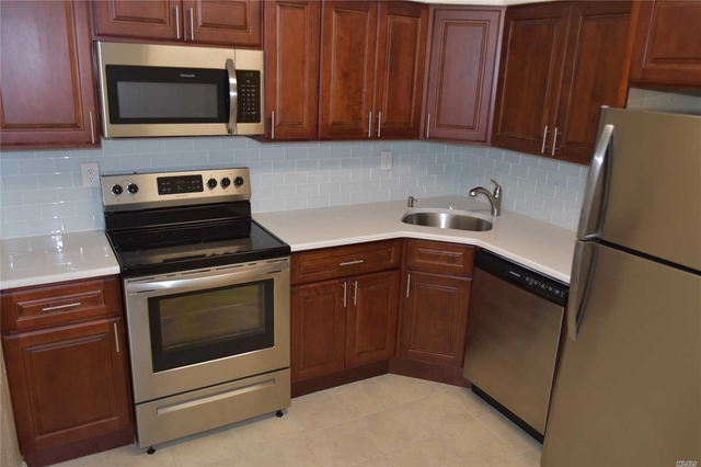 3 Bedrooms, Bayside Rental in Long Island, NY for $2,350 - Photo 2