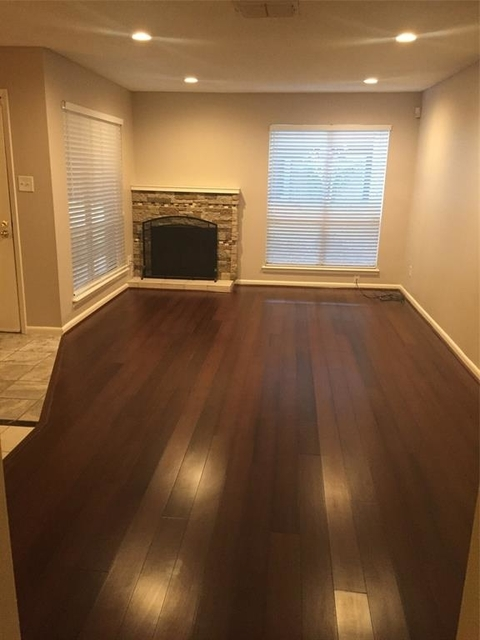3 Bedrooms, Bay Forest Rental in Houston for $1,475 - Photo 2