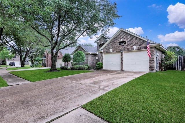 3 Bedrooms, New Territory Rental in Houston for $1,895 - Photo 2