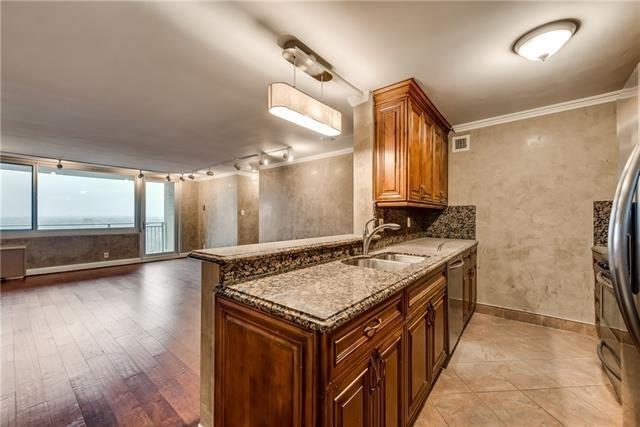 2 Bedrooms, Oak Lawn Rental in Dallas for $1,800 - Photo 1