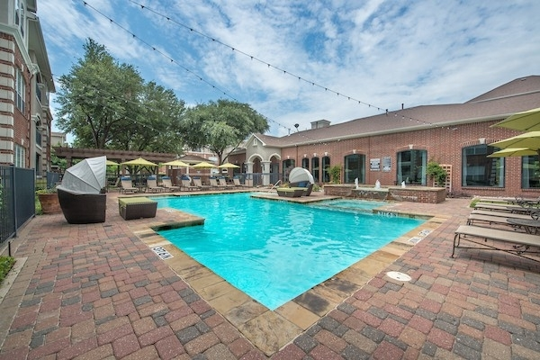 2 Bedrooms, Cultural District Rental in Dallas for $1,571 - Photo 1