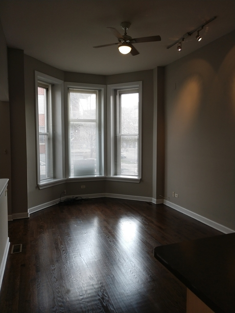 3 Bedrooms, Bucktown Rental in Chicago, IL for $2,550 - Photo 2