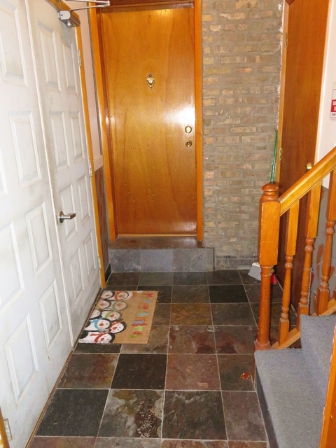 2 Bedrooms, West Town Rental in Chicago, IL for $1,350 - Photo 2