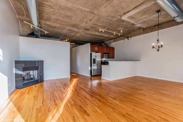 2 Bedrooms, University Village - Little Italy Rental in Chicago, IL for $1,950 - Photo 2