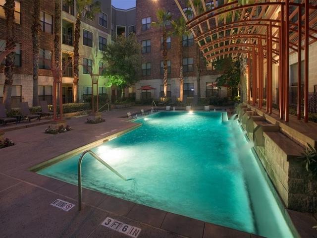 2 Bedrooms, Washington Avenue - Memorial Park Rental in Houston for $14,048 - Photo 2