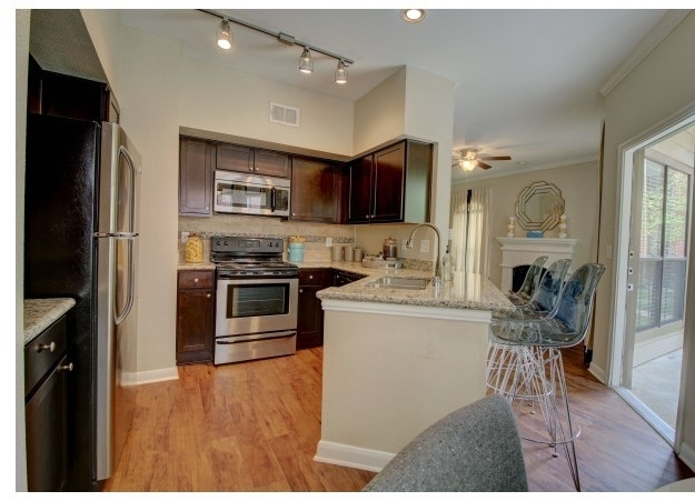2 Bedrooms, Research Forest Rental in Houston for $1,345 - Photo 2