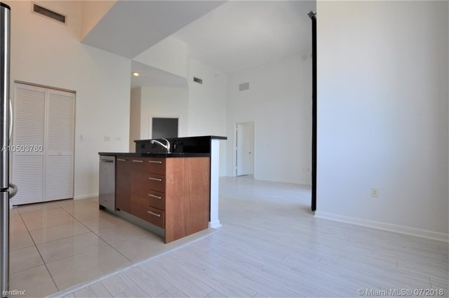 2 Bedrooms, Downtown Miami Rental in Miami, FL for $2,050 - Photo 2