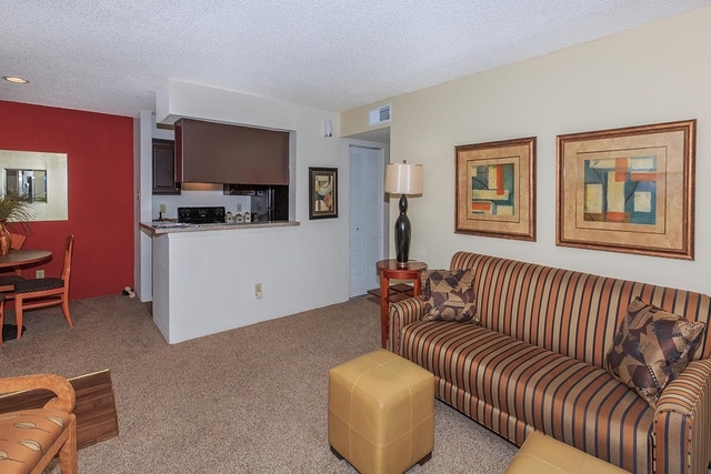 2 Bedrooms, Red Bird Center Rental in Dallas for $1,100 - Photo 1