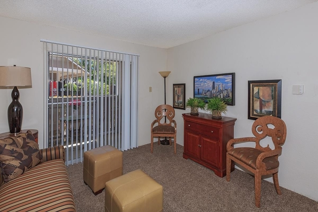 1 Bedroom, Red Bird Center Rental in Dallas for $780 - Photo 2