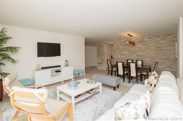 2 Bedrooms, Village of Key Biscayne Rental in Miami, FL for $3,500 - Photo 1