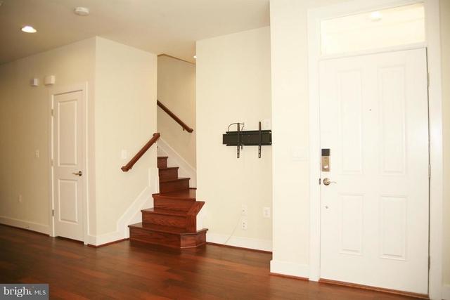 3 Bedrooms, Potomac Yard - Potomac Greens Rental in Washington, DC for $3,350 - Photo 2