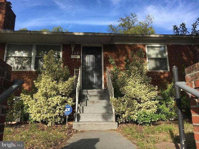 4 Bedrooms, Lynhaven Rental in Washington, DC for $3,150 - Photo 1