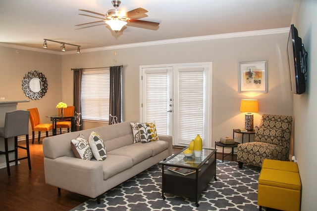 2 Bedrooms, Hillcrest Forest Rental in Dallas for $1,355 - Photo 1