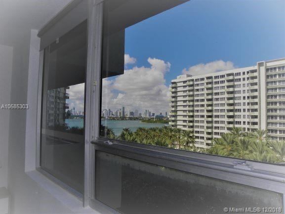 2 Bedrooms, West Avenue Rental in Miami, FL for $3,200 - Photo 2
