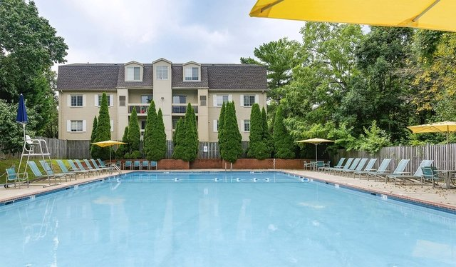 2 Bedrooms, Foxchase Apartments Rental in Washington, DC for $17,430 - Photo 1