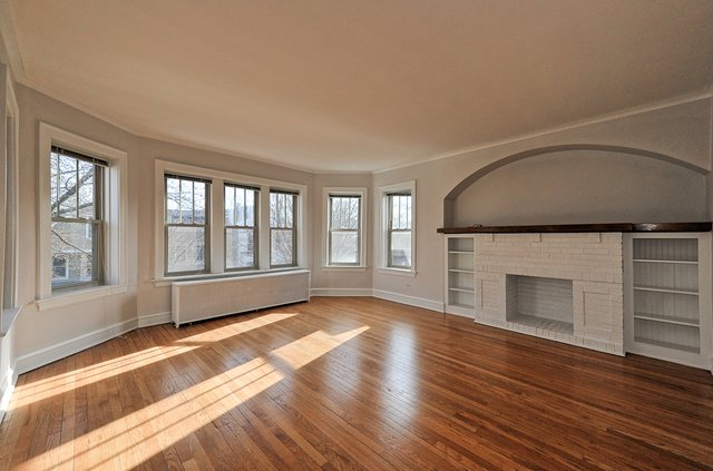 2 Bedrooms, Lakeview Rental in Chicago, IL for $2,250 - Photo 2
