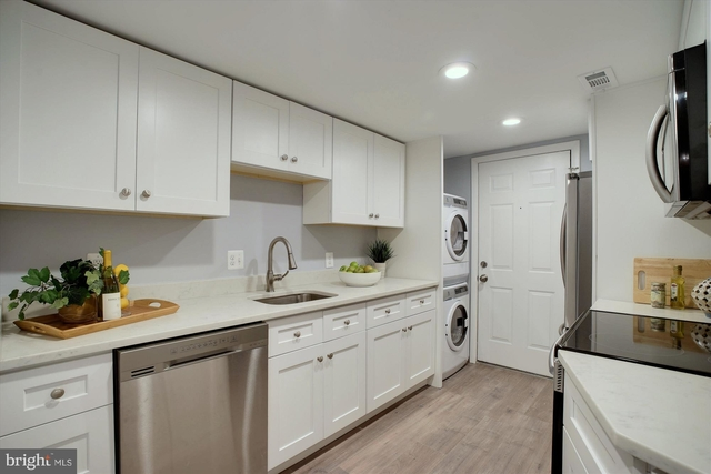 at 1015 T Street Nw - Photo 1