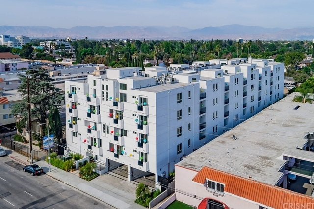 2 Bedrooms, Van Nuys Rental in Los Angeles, CA for $2,545 - Photo 1