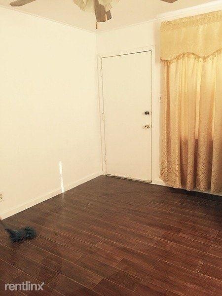 1 Bedroom, Feldman Court Rental in Houston for $750 - Photo 2